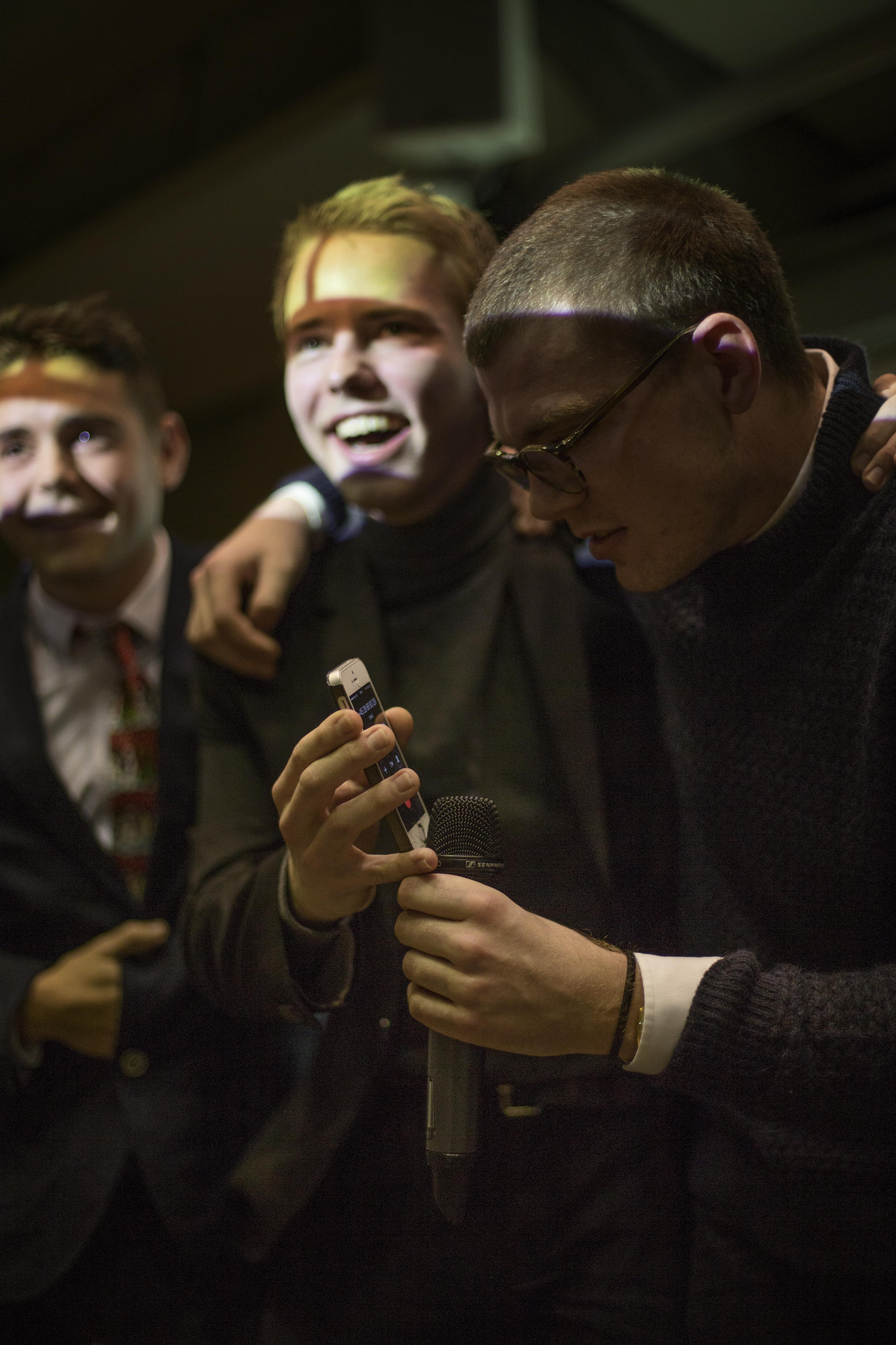 De fire drenge fra programmet Tanzen Mussolini løb med hele tre priser til Genlüd Awardshow